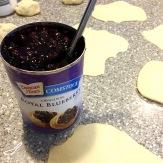 Baked Blueberry Piroshki (Пирожки в духовке с голубикой)