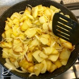 Fried Potatoes and Onion (Жареная картошка с луком)